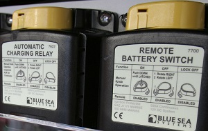 Remote battery switch